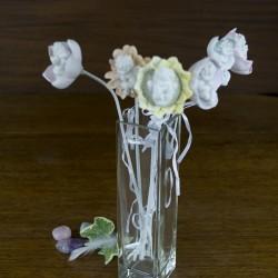 Figurine statuette deco Ange sur fleur